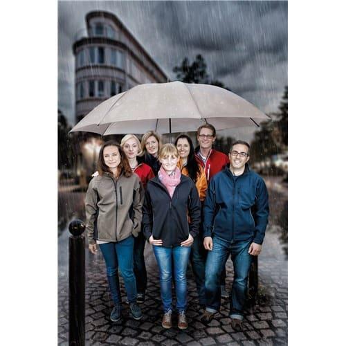 ett jättestort paraply